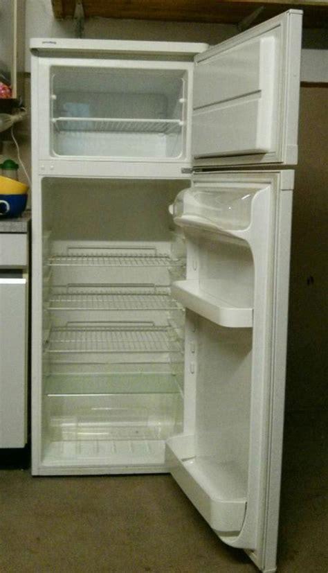 kühlschrank mit gefrierfach gebraucht privileg gefrier k 252 hlkombi sommer keller k 252 hlschrank