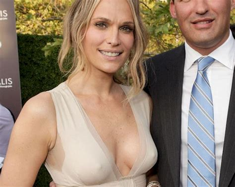 Molly Sims Pokies At The 10th Annual Chrysalis Butterfly