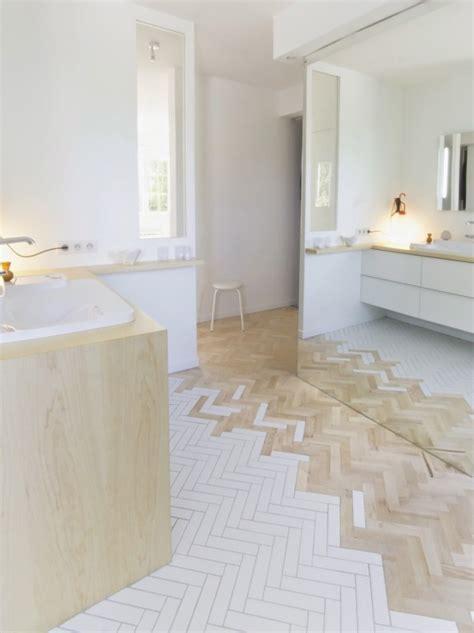 meubles cuisine blanc le mélange carrelage et parquet joli place