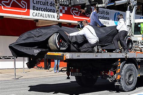 si鑒e auto crash test fia to investigate fernando alonso 39 s mclaren formula 1 test crash f1 autosport com