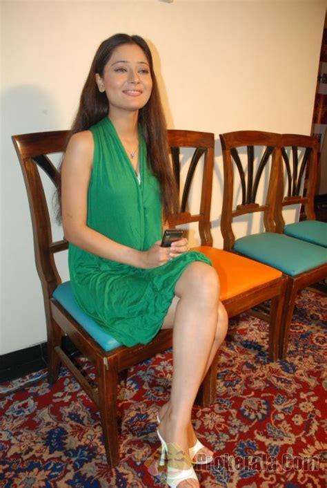 sara khans feet