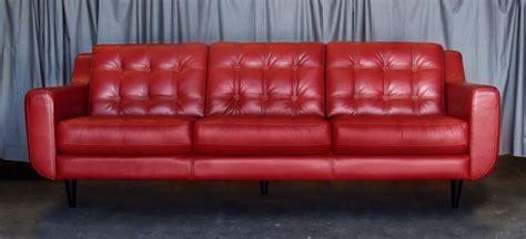 capitonner un canapé comment nettoyer un canapé en cuir conseils et photos