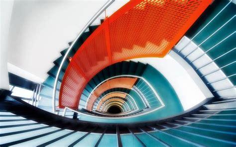 fond 233 cran escalier moderne effet ellipse couleurs vives