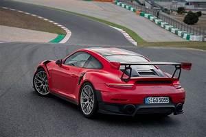 Porsche 911 Gt2 Rs 2017 : the 2018 porsche 911 gt2 rs and the science of speed motor trend ~ Medecine-chirurgie-esthetiques.com Avis de Voitures