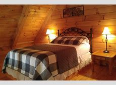 Wade with a Rose Log Cabin Getaway Hocking Hills