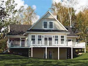 fourplans outstanding  homes   sq ft lake house plans basement house plans
