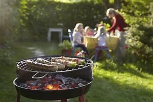 Que Faire Au Barbecue Pour Changer : europ assistancecomment faire un barbecue sans risques ~ Carolinahurricanesstore.com Idées de Décoration