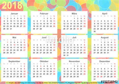 kalender hintergrund mit bunten kreisen jeder monat auf weissen