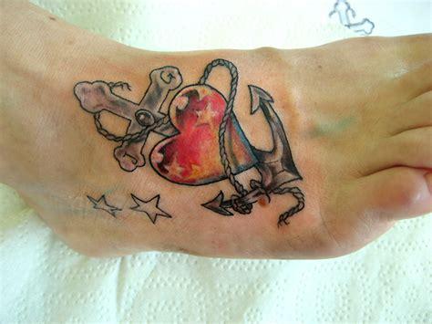 anker bedeutung liebe tattoovorlage kreuz glaube liebe hoffnung anker herz kreuz