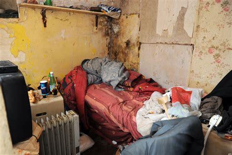 location de chambre pour etudiant marchands de sommeil cécile duflot s 39 attaque au logement