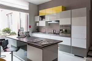 Cucina con isola scavolini modello tetrix scontata del 55 for Cucina scavolini con isola