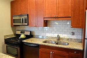 Glass backsplash tile kitchen tile design ideas for Kitchen cabinets lowes with decorative tiles for wall art