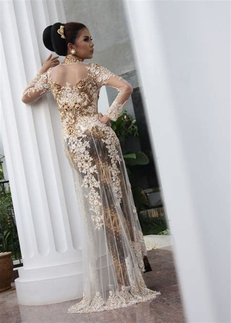 modern kebaya evolution  indonesian traditional dress