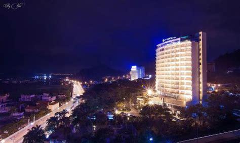 Saigon Halong Hotel $34 ($̶4̶1̶)  Updated 2018 Prices. Club Boran Mare Beach Hotel. Haus Z`Wichjehus Hotel. Hotel Prinzregent Am Friedensengel. Hotel Garni WinZerhof Hodl. Courtyard By Marriott Bali Nusa Dua. Hotel Indigo London-Paddington. Kunshan Yizui Crown Hotel. Lordens Penthouse