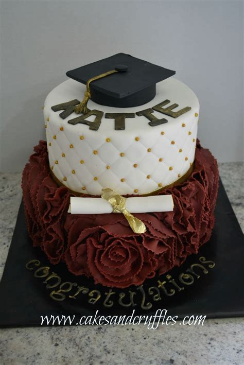 graduation cake ideas best 25 graduation cake ideas on college