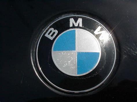 Bmw E30/e36 Roundel Emblem Replacement