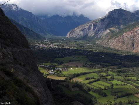 Cycling Villard Notre Dame across the valley from Alpe d'Huez
