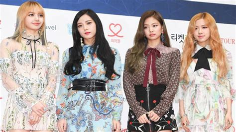 blackpink gaon chart kpop awards red carpet