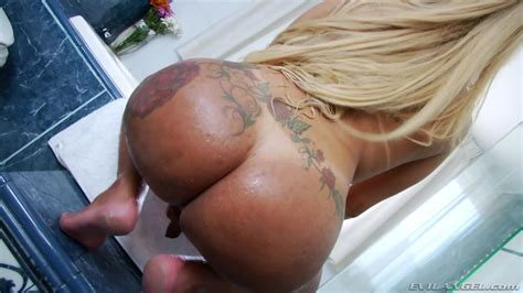 Blonde Shemale Shower And Cum