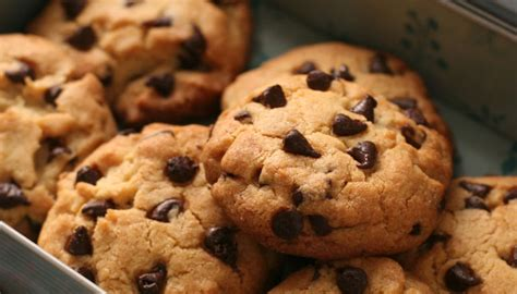 how to make cookies how to make chocolate chip cookies step by step hothungama latest news updates