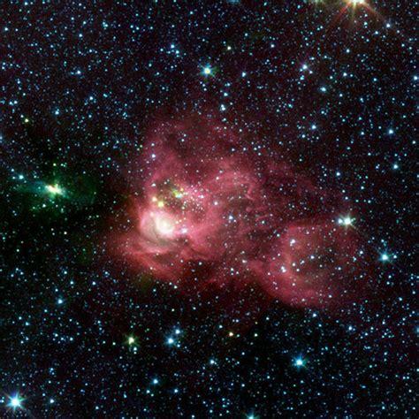 Nebula Hosting New Star Cluster Nasa Spitzer Space