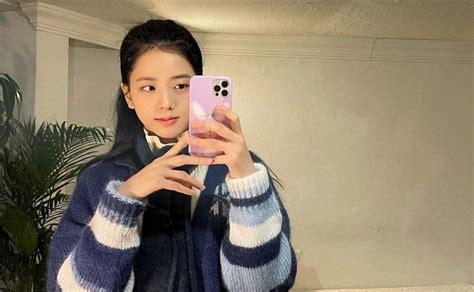 On april 22, park hyung sik uploaded a selfie expressing his grat. Jisoo eleva su belleza con nuevas selfies en el espejo