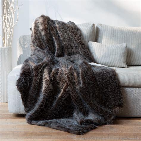 housse de coussin de canapé plaid fausse fourrure autruche noir blanc 140x180cm home