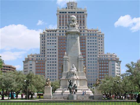 Sabatini Gardens by Plaza De Espa 241 A Plac W Madrycie Opis Cennik