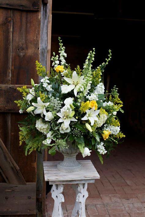altar flowers ideas  pinterest delphinium