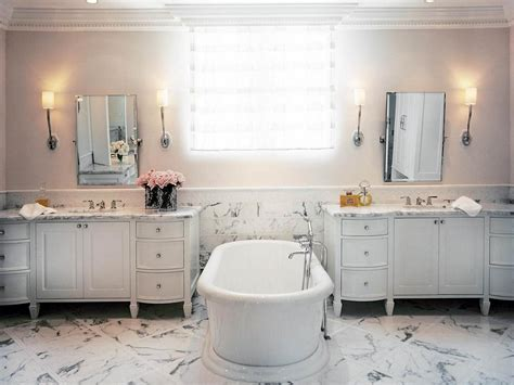 Tired Of March Madness? Spot Four Top Bathroom Designs Instead