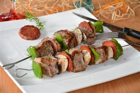 brochet cuisine brochettes de boeuf et chorizo au fil du thym