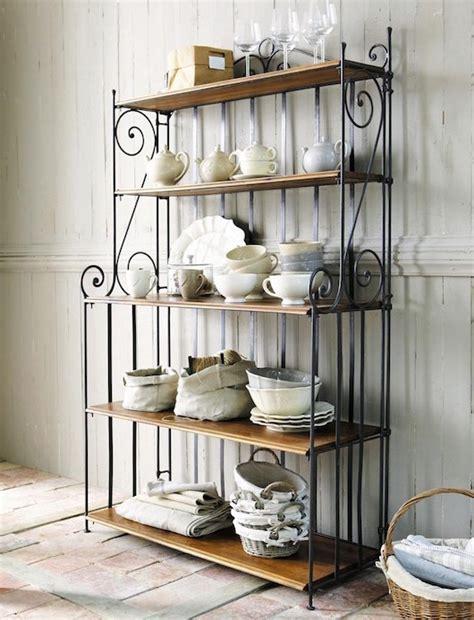 étagère en fer forgé pour cuisine étagère en fer forgé pour une déco pleine de caractère