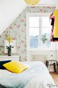 la chambre a coucher jaune en 31 exemples With chambre bébé design avec bouquets ronds fleurs