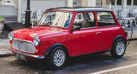 limited run classic mini electric unveiled