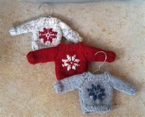 mini sweater ornament knit