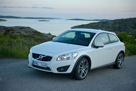 Volvo Xc30 by Volvo Xc30 Crossover Planned To Rival Bmw X1 Audi Q3