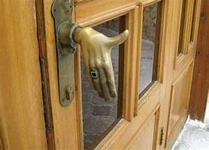 Le Poignet De La Porte : une dr le de poign e de porte images ~ Dailycaller-alerts.com Idées de Décoration