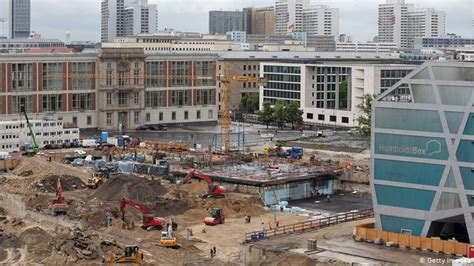 germany lays new foundations for berlin palace rebuild news dw 12 06 2013