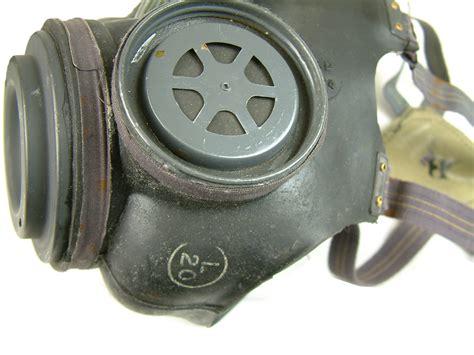 ww british gas mask  british army