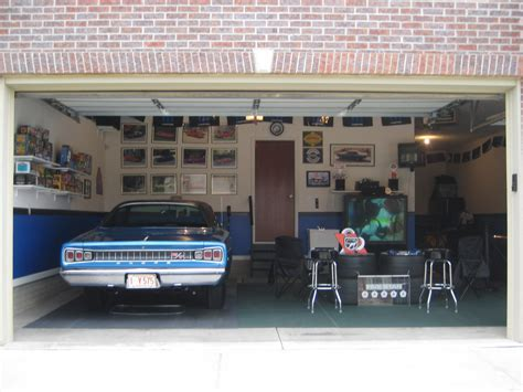 High Impact Performance Mopar Auto Club   Bruce's Man Cave