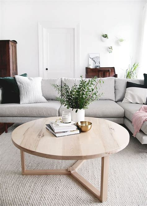 The transparent glass also makes a room appear. DIY Modern Round Coffee Table | Table decor living room, Round wood coffee table, Round coffee ...