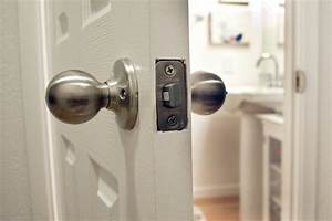 How to unlock a locked bathroom door hunker for How to open bathroom door lock from outside