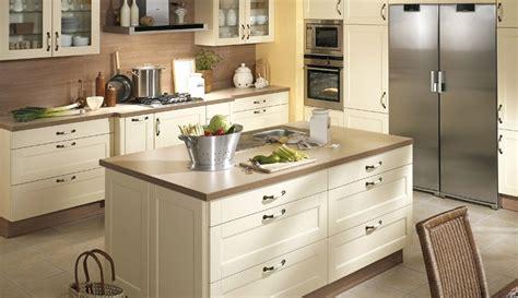 modele cuisine avec ilot modele cuisine avec ilot central table galerie et