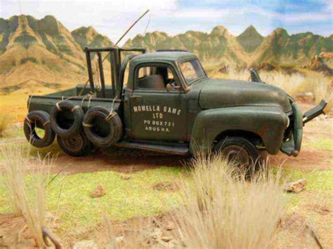 hatari truck diorama 1 24 25 quot hatari quot 48 chevy pick up truck 1 25