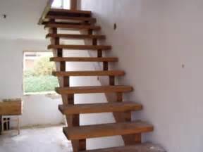 treppe gebraucht treppenstufen freitragene eichentreppe treppe eiche massiv in roßbach holz kaufen und