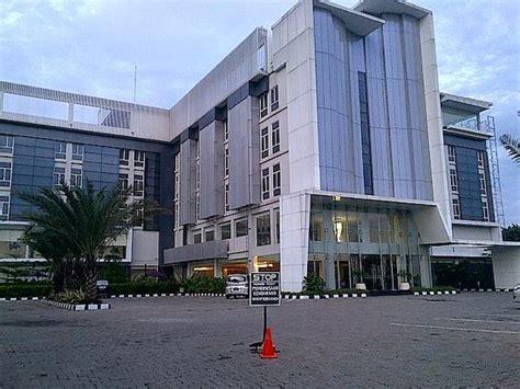 front view picture  yasmin hotel karawaci tangerang