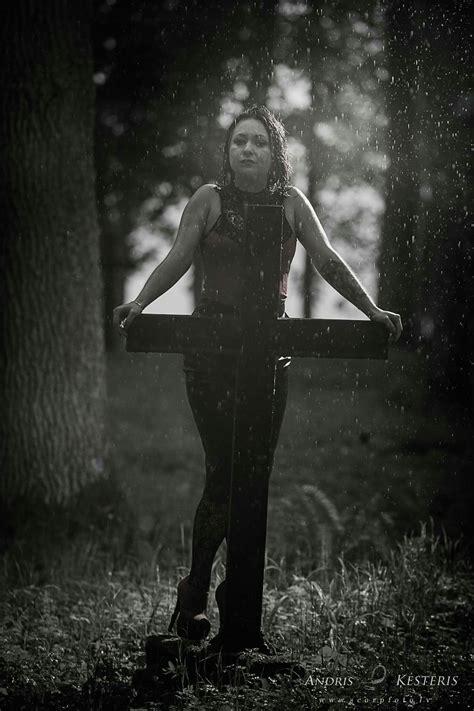 Melnā atraitne Modele: Agneta Bodniece www.scorpfoto.lv ...