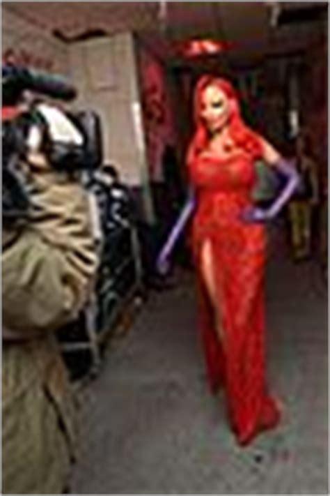 Heidi Klum Transforms Into Jessica Rabbit For Halloween