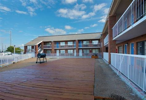 Get directions, reviews and information for motel 6 in montgomery, al. Book Motel 6 Montgomery, AL - Coliseum in Montgomery ...