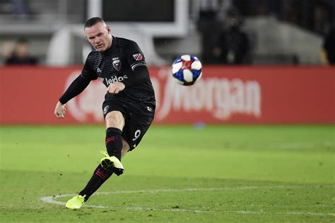 Wayne Rooney Reportedly in Talks with Derby County About ...